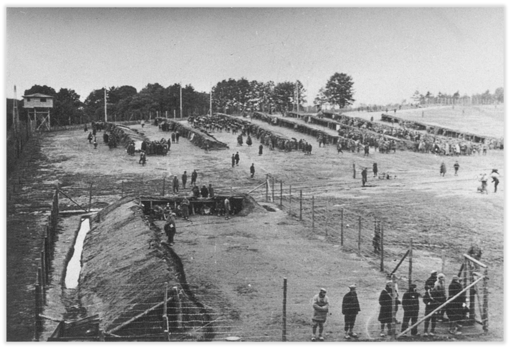 Pferch mit Ausgesonderten im Stalag Oerbke